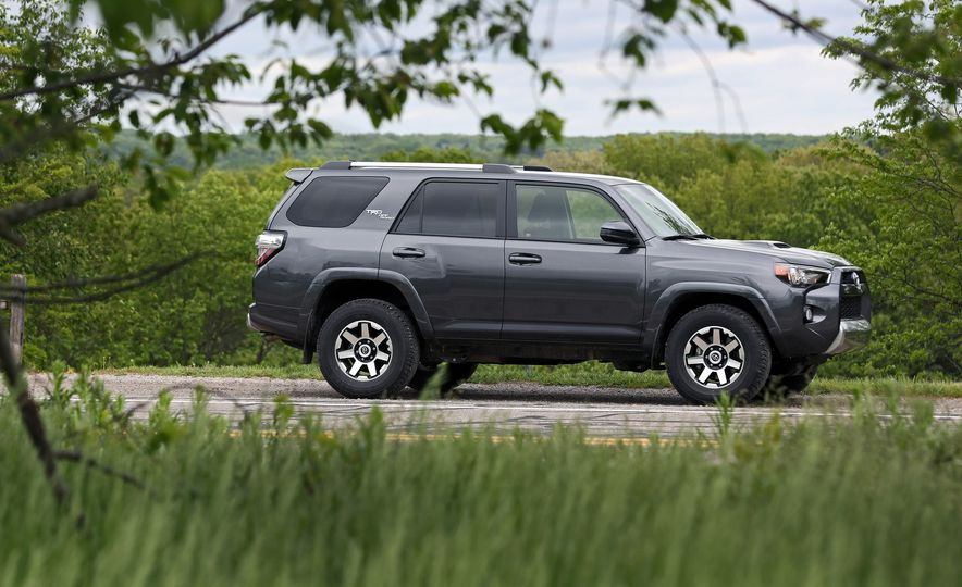 2017 Toyota 4Runner - Slide 1