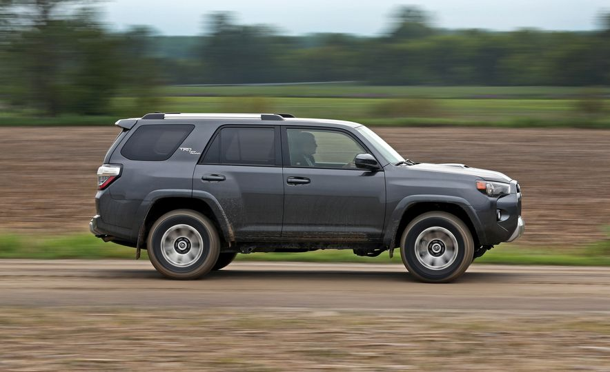 2017 Toyota 4Runner - Slide 4