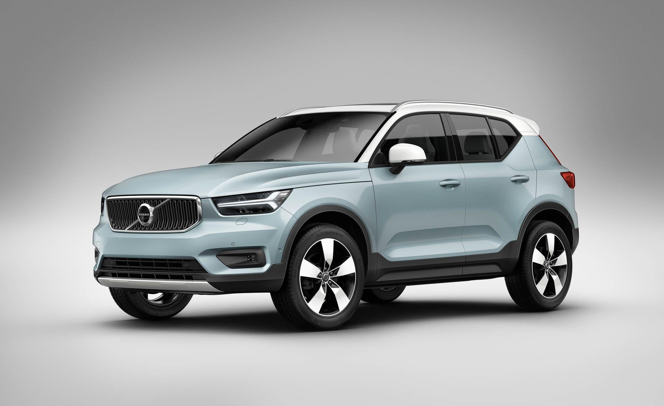 https://hips.hearstapps.com/amv-prod-cad-assets.s3.amazonaws.com/wp-content/uploads/2017/09/2018-Volvo-XC40-103.jpg