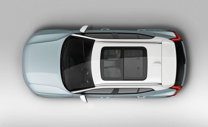 2019 Volvo XC40 - Slide 9