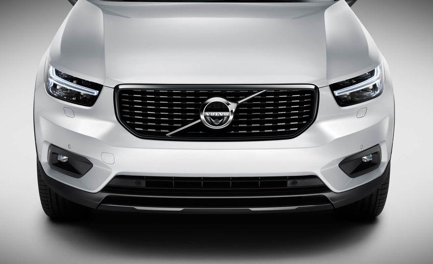 2019 Volvo XC40 - Slide 25