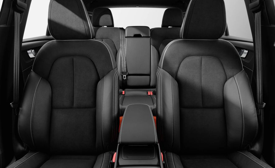 2019 Volvo XC40 - Slide 46