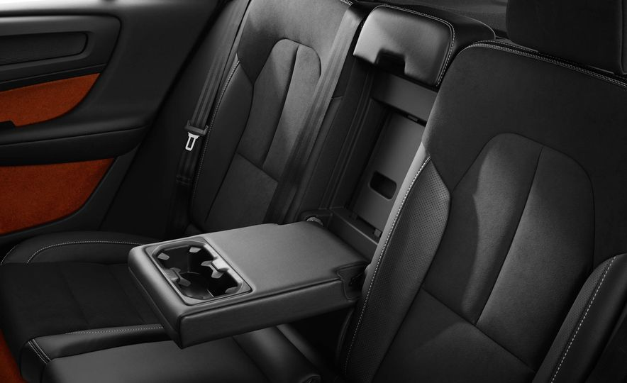 2019 Volvo XC40 - Slide 47