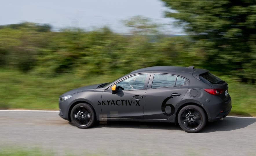 2019 Mazda 3 prototype - Slide 19