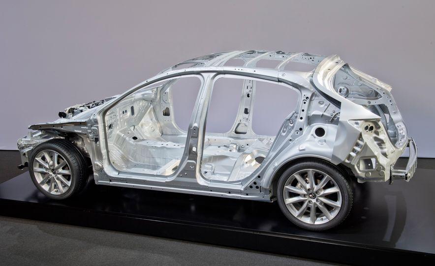 2019 Mazda 3 prototype - Slide 32