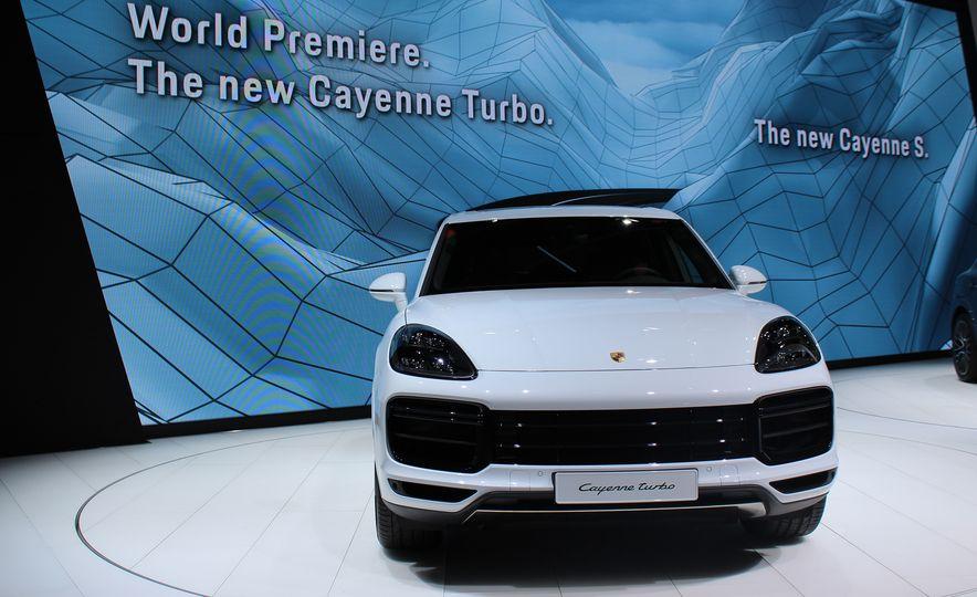 2019 Porsche Cayenne Turbo - Slide 1
