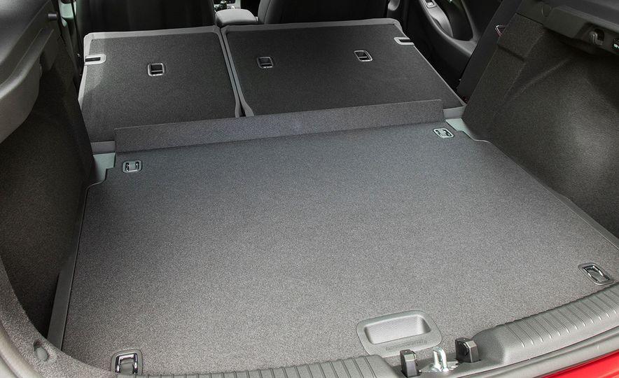 2018 Hyundai Elantra GT hatchback - Slide 20
