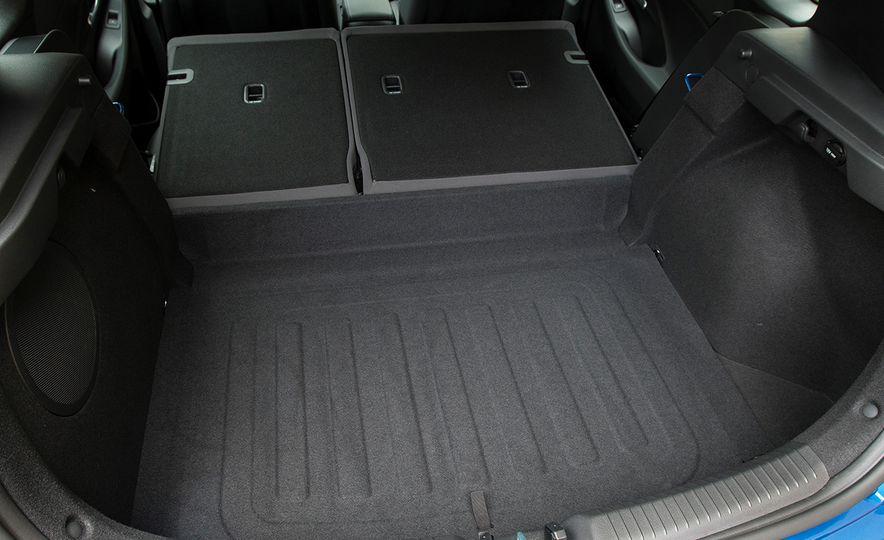 2018 Hyundai Elantra GT hatchback - Slide 39
