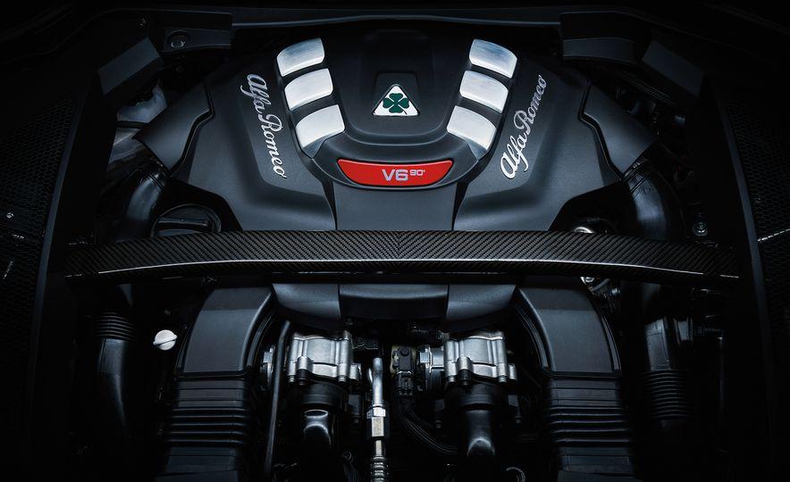 2018 Alfa Romeo Stelvio Quadrifoglio - Slide 15