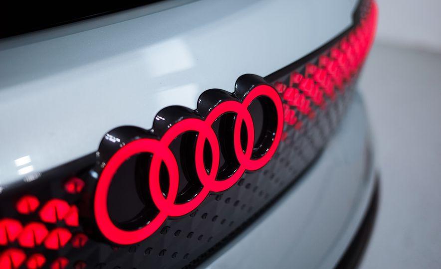 Audi Elaine concept - Slide 19