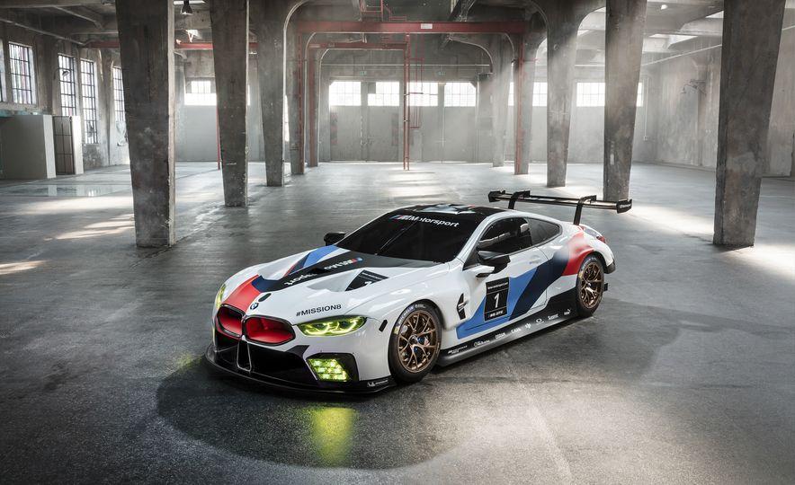 BMW M8 GTE - Slide 1