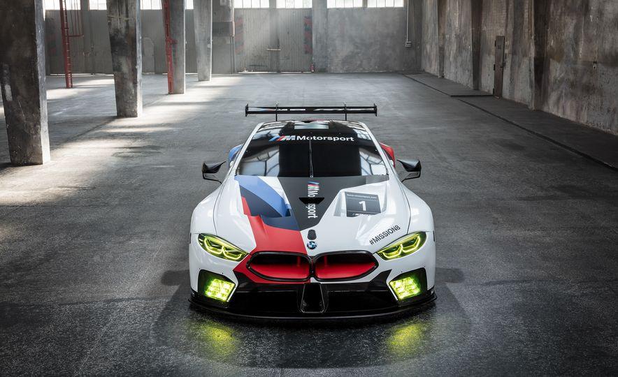BMW M8 GTE - Slide 2