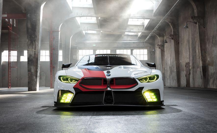 BMW M8 GTE - Slide 3