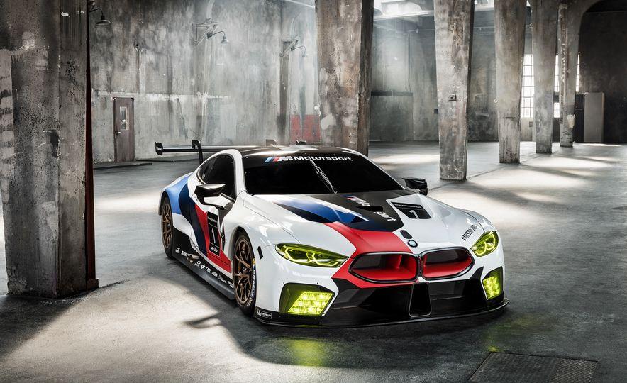 BMW M8 GTE - Slide 4