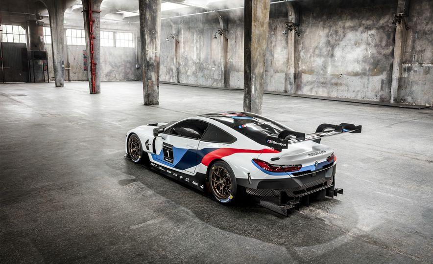 BMW M8 GTE - Slide 7