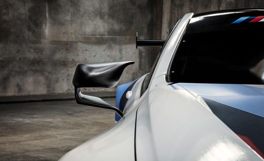 BMW M8 GTE - Slide 11
