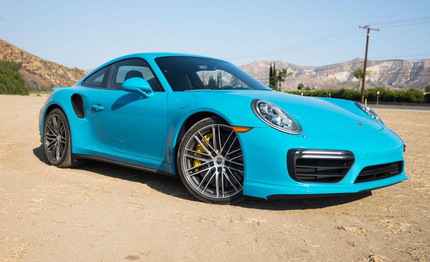 2017 Porsche 911 Turbo S - Slide 1