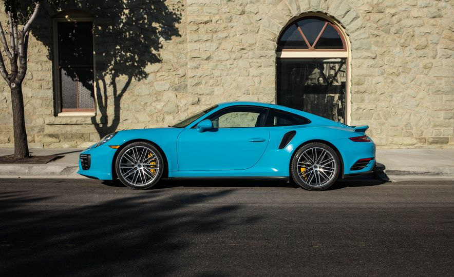 2017 Porsche 911 Turbo S - Slide 7