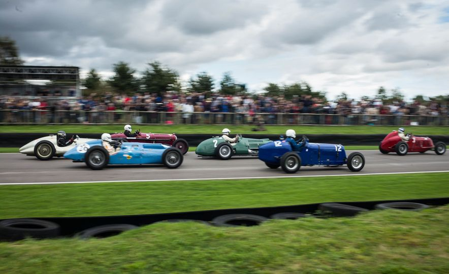 Festival of Cosplay: The 2017 Goodwood Revival Will Torque Your Head - Slide 9