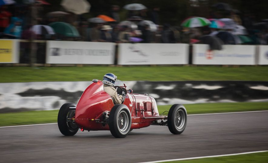 Festival of Cosplay: The 2017 Goodwood Revival Will Torque Your Head - Slide 14