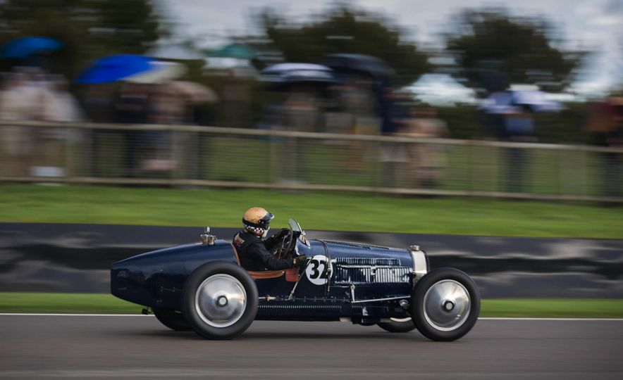 Festival of Cosplay: The 2017 Goodwood Revival Will Torque Your Head - Slide 15