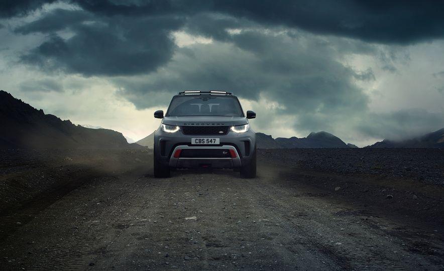 2019 Land Rover Discovery SVX - Slide 2