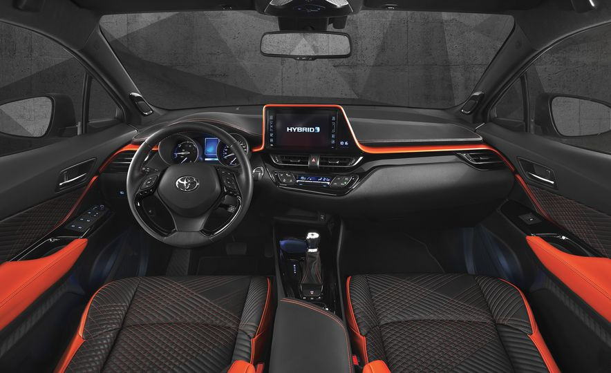 Toyota C-HR Hy-Power concept - Slide 17