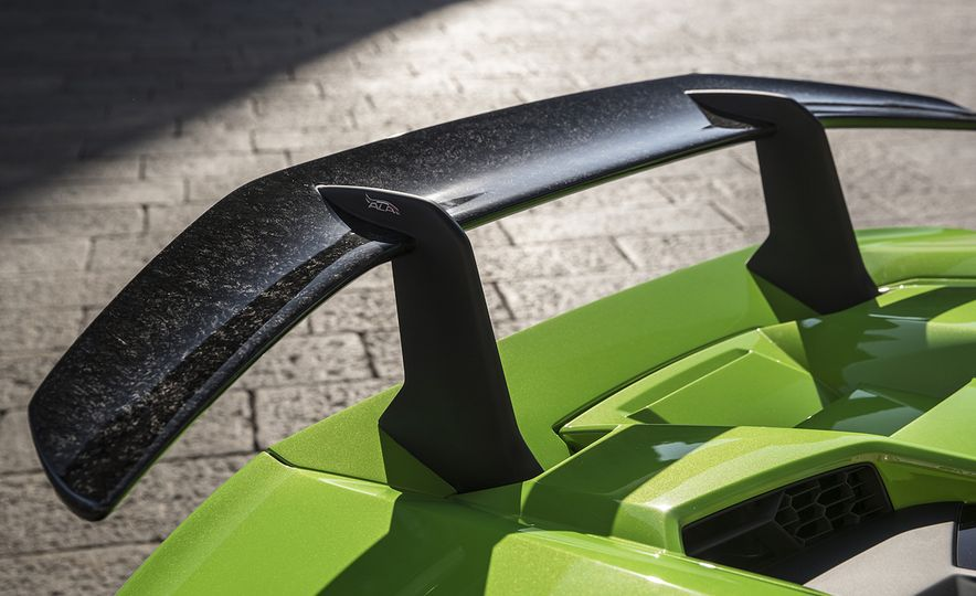 Carbon Fiber Is Old News: These Materials Are the Next Frontier in Car Interiors - Slide 6