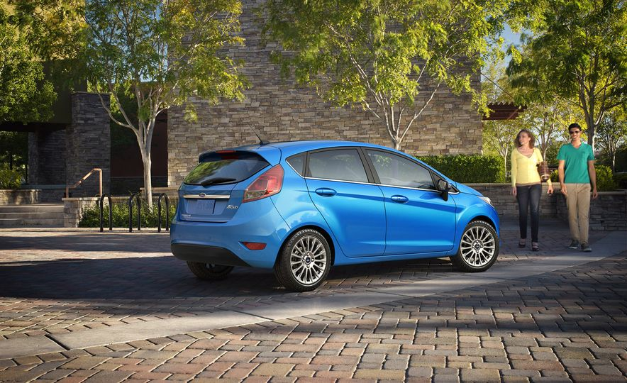 2017 Ford Fiesta Hatchback Automatic - Slide 6