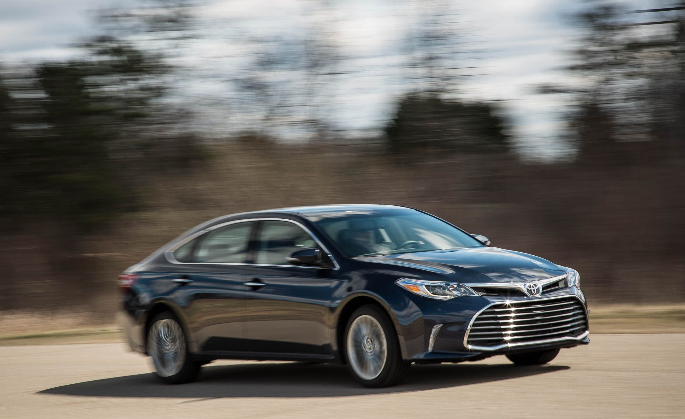 Toyota Avalon Reviews Toyota Avalon Price s and Specs