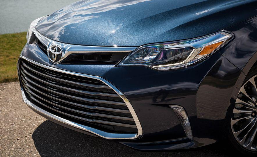 2016 Toyota Avalon - Slide 13