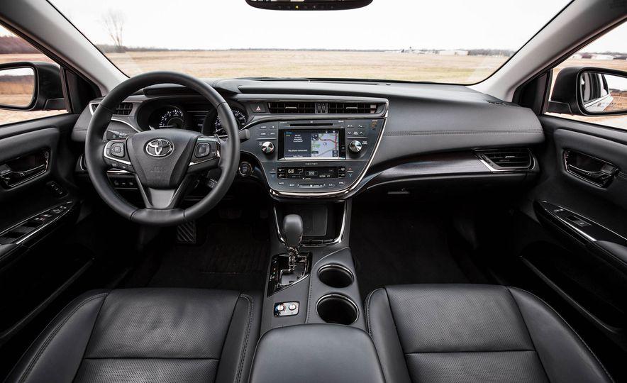 2016 Toyota Avalon - Slide 19