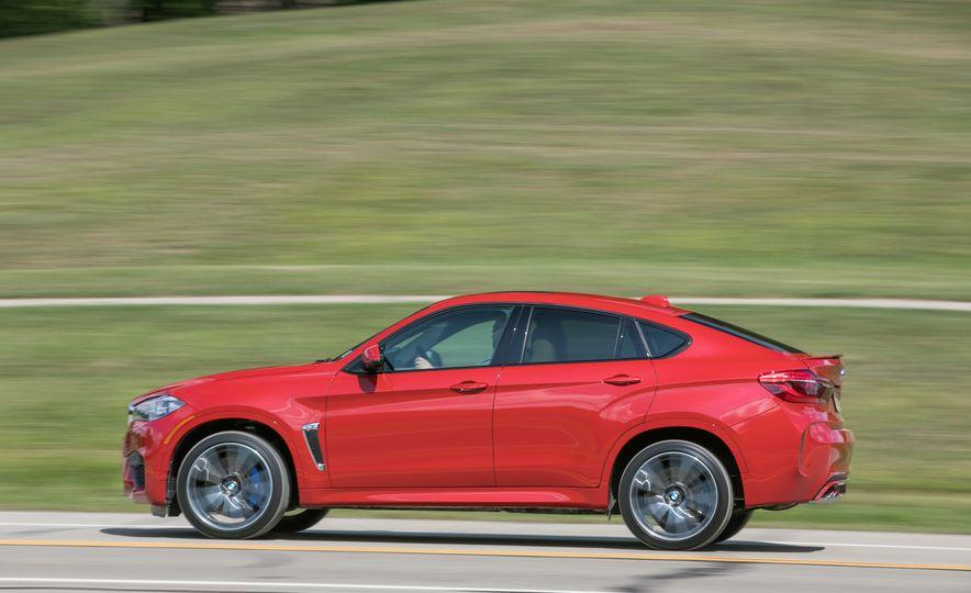 2017 BMW X6 M - Slide 9
