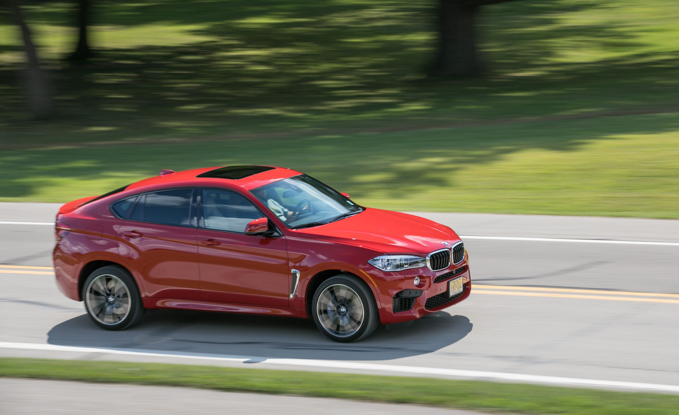 2019 Bmw X6 M Reviews Price Photos And Specs Car Driver
