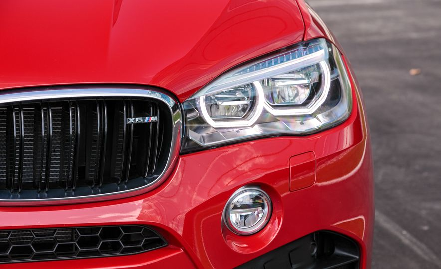 2017 BMW X6 M - Slide 35