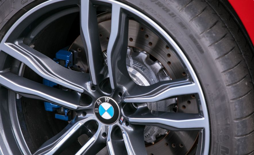 2017 BMW X6 M - Slide 42