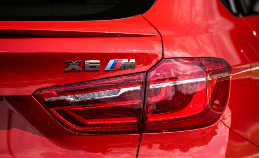 2017 BMW X6 M - Slide 46