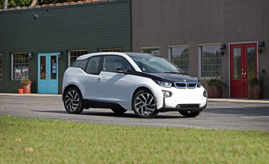 2017 BMW i3 EV - Slide 1
