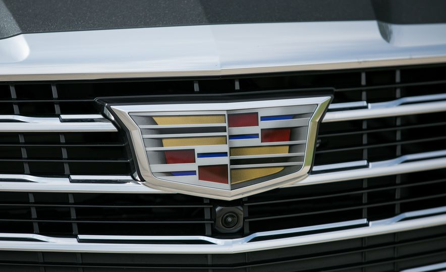 2017 Cadillac CTS - Slide 24