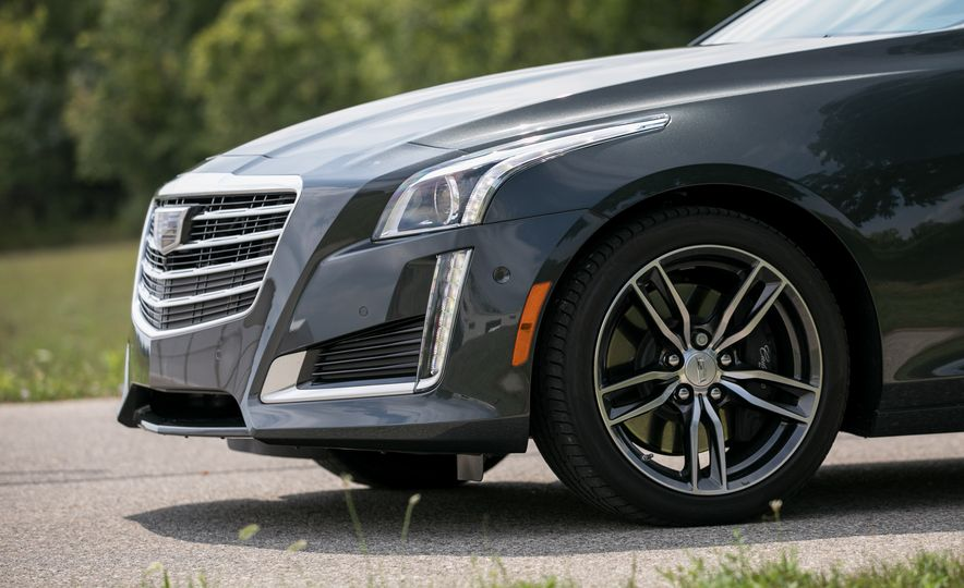2017 Cadillac CTS - Slide 25