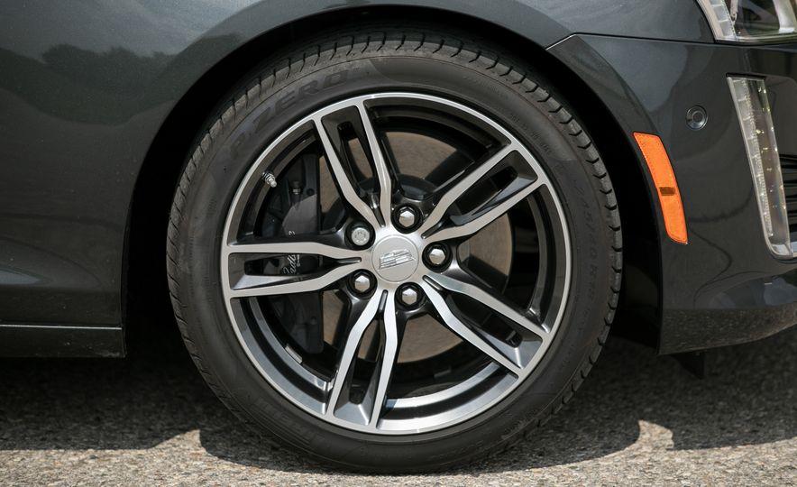 2017 Cadillac CTS - Slide 26