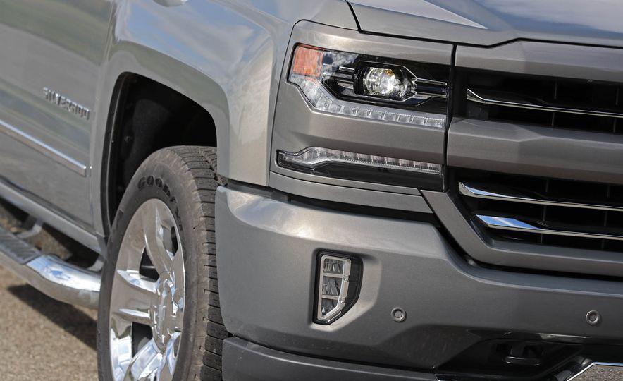 2017 Chevrolet Silverado 1500 - Slide 12