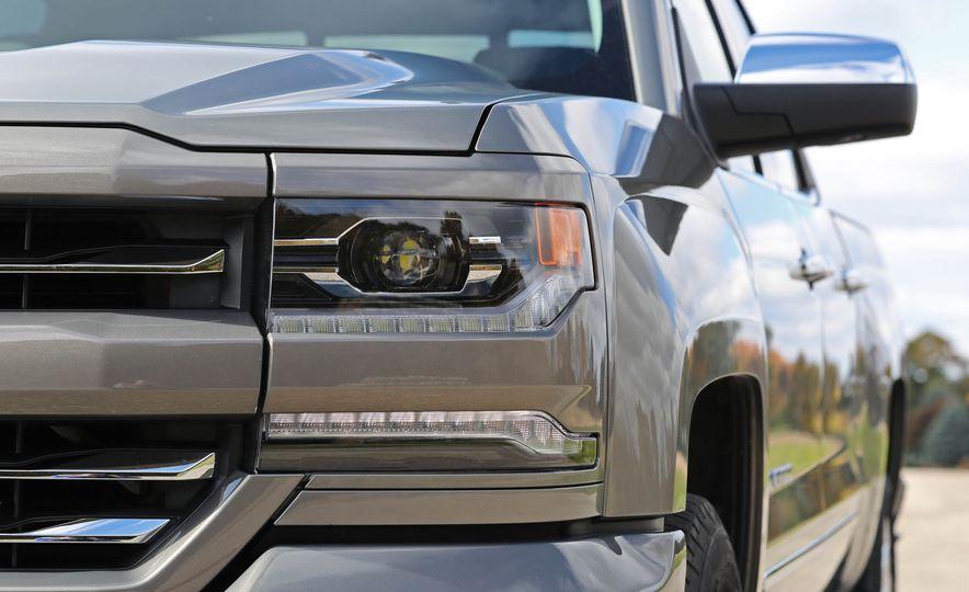 2017 Chevrolet Silverado 1500 - Slide 16