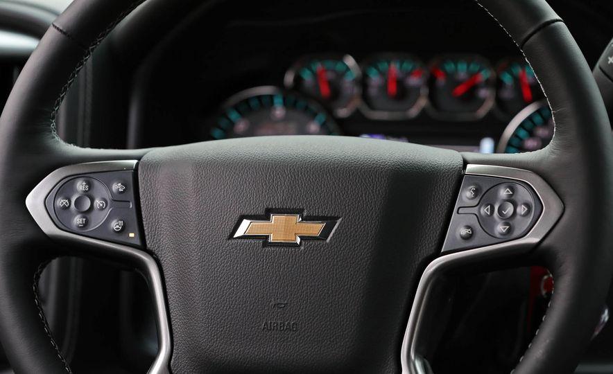 2017 Chevrolet Silverado 1500 - Slide 32