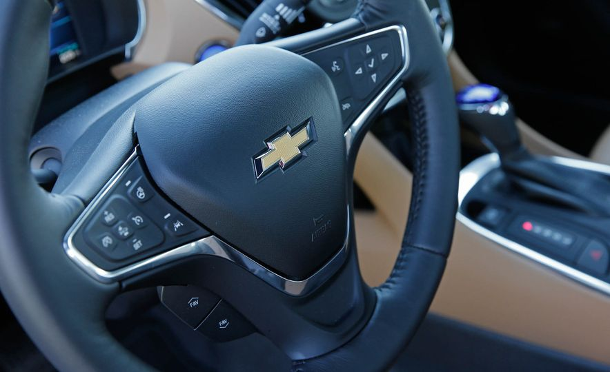 2017 Chevrolet Volt - Slide 26