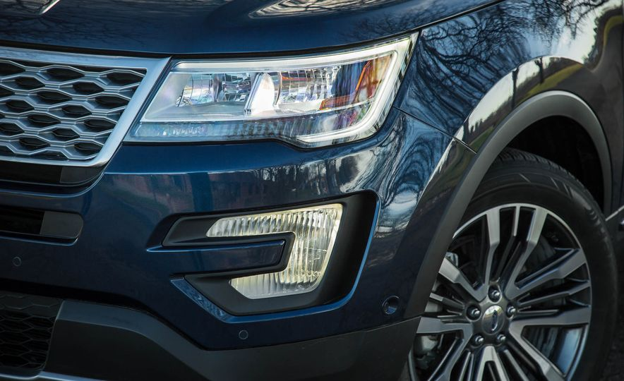 2018 Ford Explorer - Slide 12