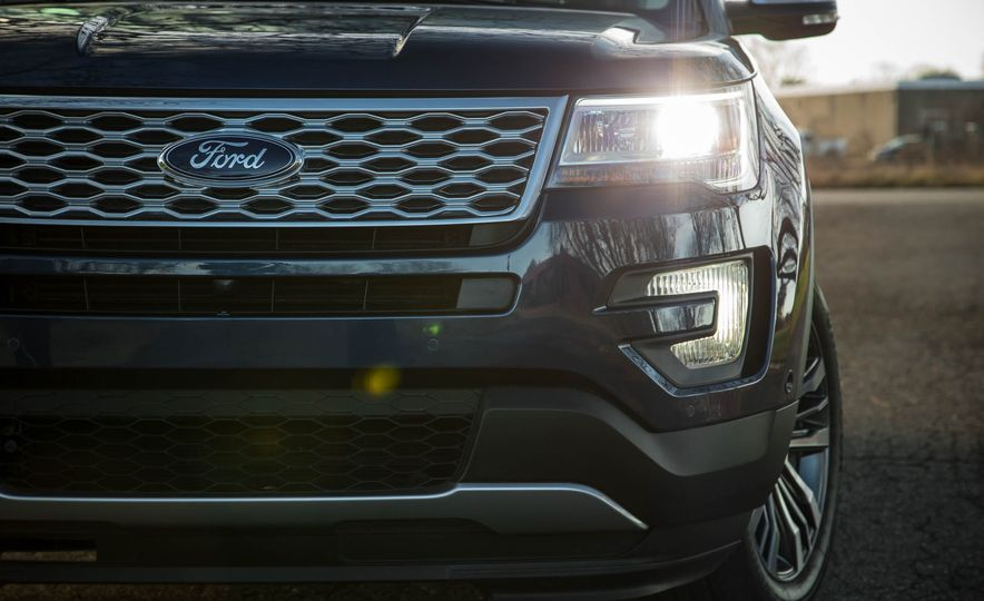2018 Ford Explorer - Slide 13