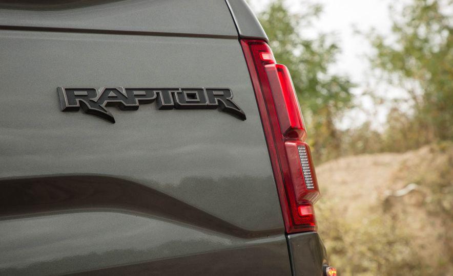 2017 Ford F-150 Raptor - Slide 51
