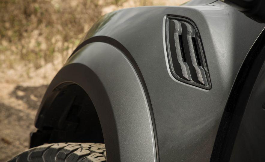 2017 Ford F-150 Raptor - Slide 49