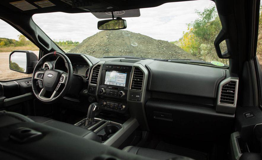 2017 Ford F-150 Raptor - Slide 59